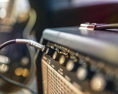 amplificador en sistemas de sonido