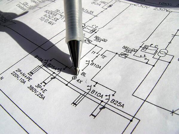 planear la instalación eléctrica de una oficina en casa