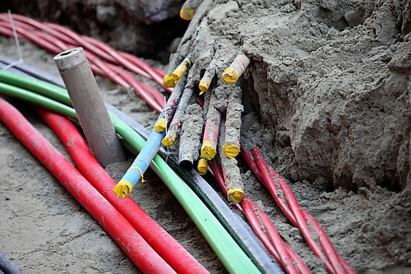 Protecciones eléctricas bajo tierra