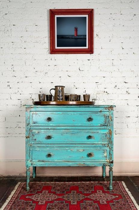 4 trucos para pintar muebles de madera sin lijar for Pintar mueble lacado sin lijar
