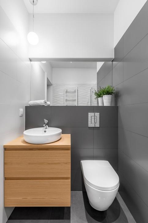 Ideas para reformar ba os peque os modernos por muy poco - Como decorar un bano pequeno moderno ...