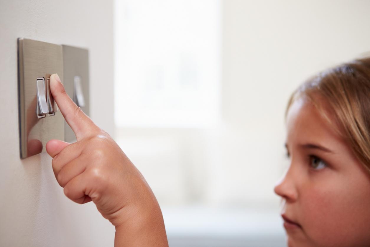 como conectar un interruptor doble-1