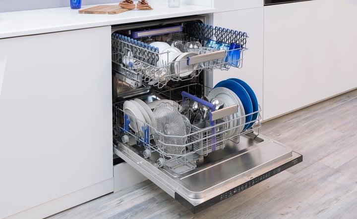 instalar lavavajillas y lavadora juntos